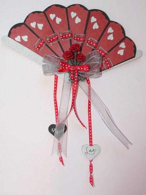917 - Heart Fan