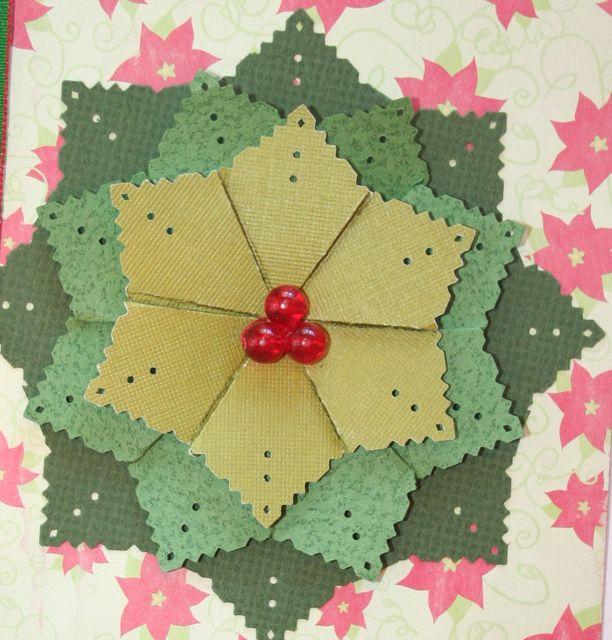 907 - Christmas Wreath - close up